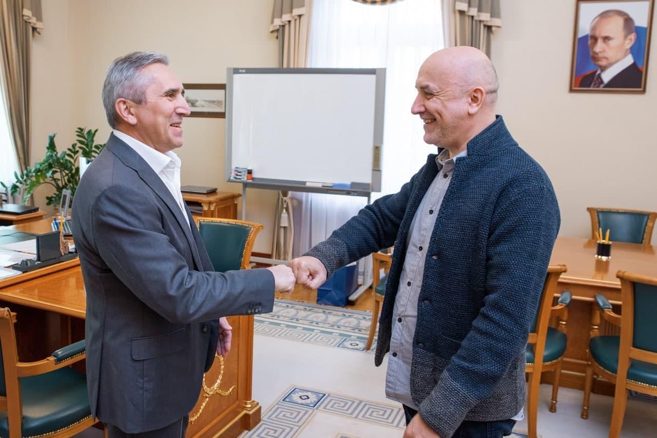 Прилепин начал свою предвыборную кампанию в «тюменской матрешке» со встречи с Моором