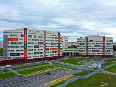 Перинатальный центр в Сургуте, строительство которого растянулось почти на семь лет, откроется лишь в конце 2021 года