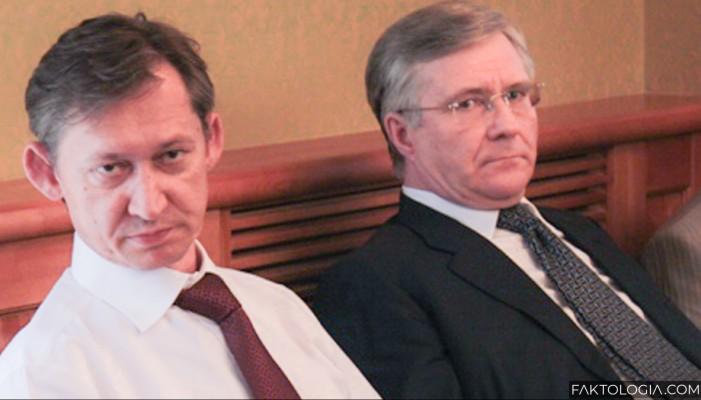 Суд не увидел связи между уголовным делом в отношении Попова и его отставкой