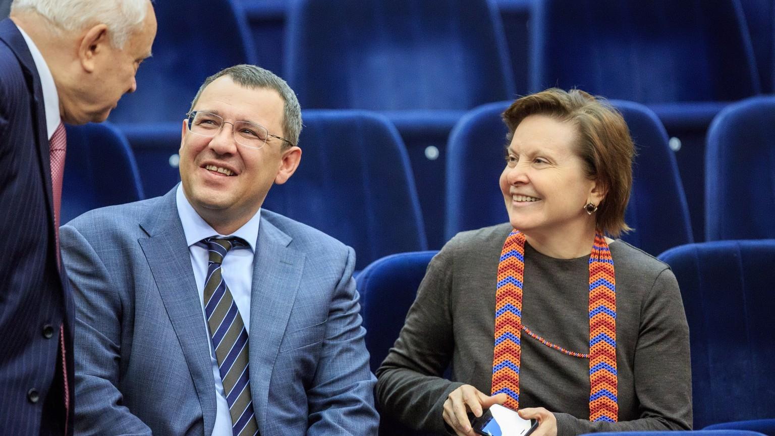 На фоне громкого скандала в Шахматной федерации Югры Комарова присвоила ее президенту Филипенко почётное звание